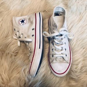 💫WHITE CONVERSE HIGH TOPS SIZE 5💫